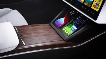 Tesla Model S facelift - rear phone