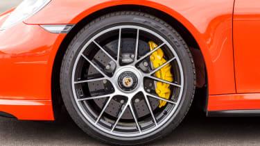 Porsche 911 Turbo S 2016 - wheel