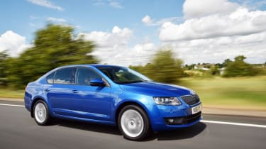 Skoda Octavia SE Sport and SE Technology tracking