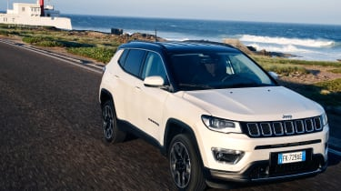 2017 Jeep Compass - light house
