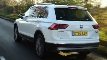 Volkswagen Tiguan SE L - rear tracking