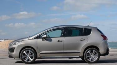 Used Peugeot 3008 - side