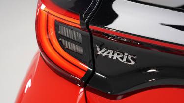 Toyota Yaris - badge studio