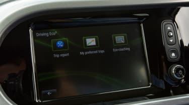 Triple test –Renault Twingo - infotainment