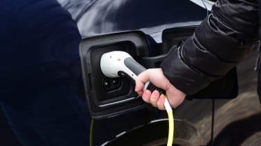 BMW i3s - charging