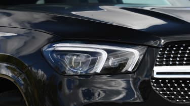 Mercedes GLE - front lights