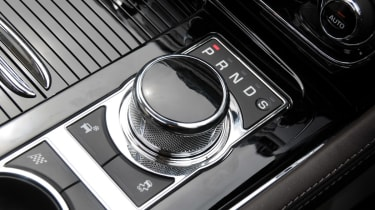 Jaguar XJ 3.0 V6 Supercharged gear selector