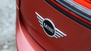 MINI Clubman badge
