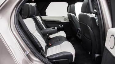 Land Rover Discovery - rear seats