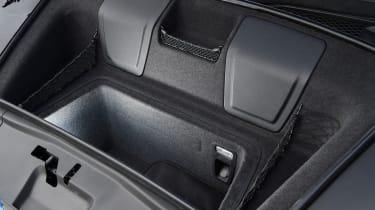 Audi R8 V10 - front boot