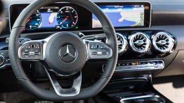 Mercedes CLA - dash
