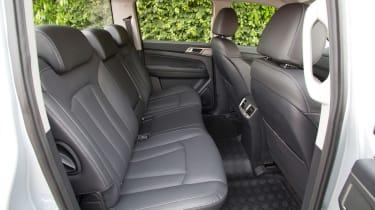SsangYong Musso Saracen - rear seats