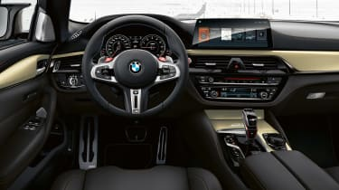 BMW M5 Edition 35 Years - dash