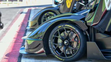 New Lamborghini Essenza SCV12 2021 review - wheel
