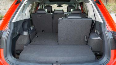 Volkswagen Tiguan Allspace - boot seat down