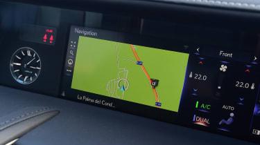 Lexus LC 500h - sat-nav