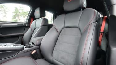 Porsche Macan GTS - front seats