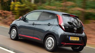 Toyota Aygo - rear tracking