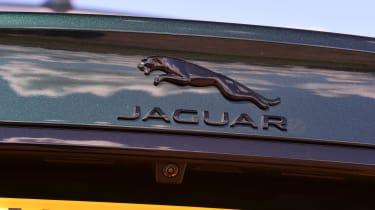 Jaguar XF P250 - Jaguar badge