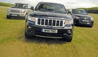 Jeep Grand Cherokee vs Land Rover Discovery vs Volkswagen Touareg