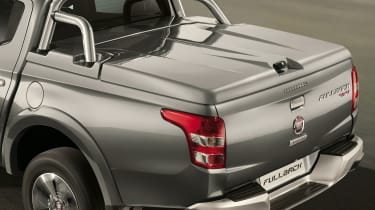 Fiat Fullback pick-up - mopar bed cover 2