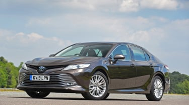Toyota Camry - front static