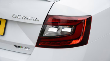 Skoda Octavia vRS 245 - rear light