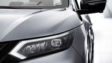 Nissan Qashqai N-Tec - front light