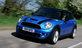 MINI Cooper SD hatchback front tracking