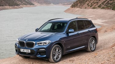 BMW X3 - front static off-road