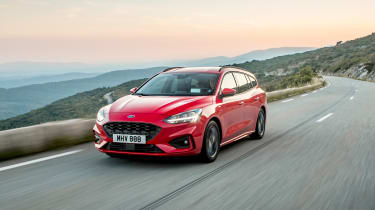 Ford Focus Estate - front tracking