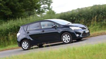 Toyota Verso - driving