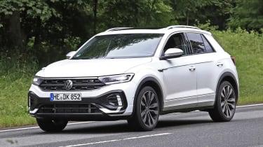 Volkswagen T-Roc - spyshot 9