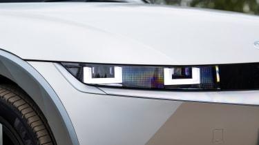 Hyundai Ioniq 5 RWD - front light