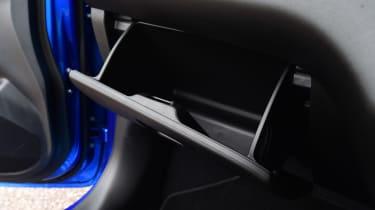 Suzuki Swift - glovebox