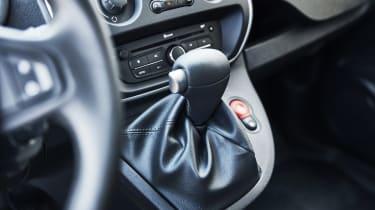 Renault Kangoo Z.E. - transmission