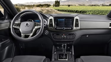 SsangYong Musso - dash