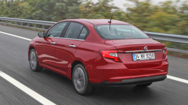 New Fiat Tipo 2016 rear tracking