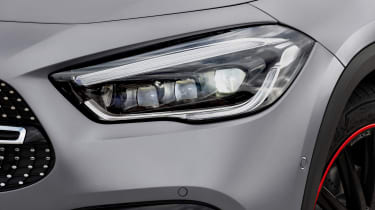 Mercedes GLA - front light