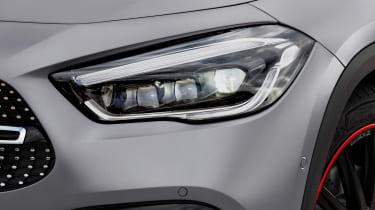 Mercedes GLA - front light