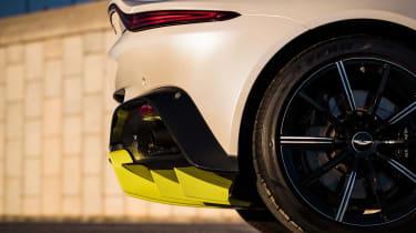 Aston Martin Vantage - rear/side detail