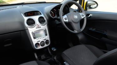 Vauxhall Corsa 1.2 Excite A/C dash