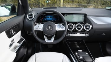 Mercedes EQA 250 - dash