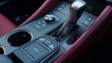 Lexus RC - centre console