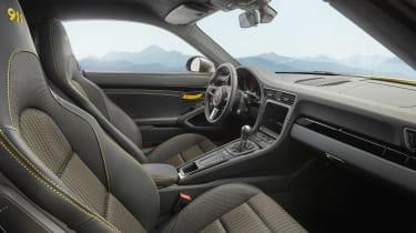 Porsche 911 Carrera T - front seats