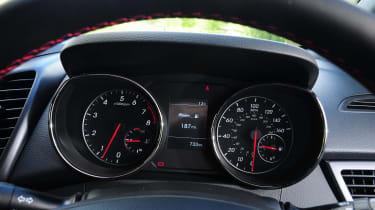 Hyundai i30 Turbo dials