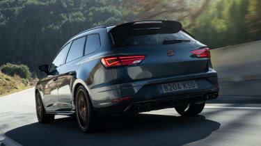 SEAT Leon Cupra R ST - rear tracking