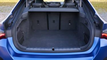 BMW i4 - boot