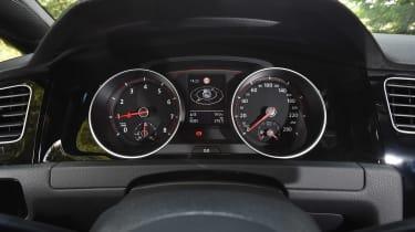 Volkswagen Golf GTI Clubsport S - dials