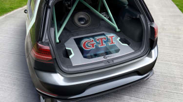 VW Golf GTI Aurora - hologram